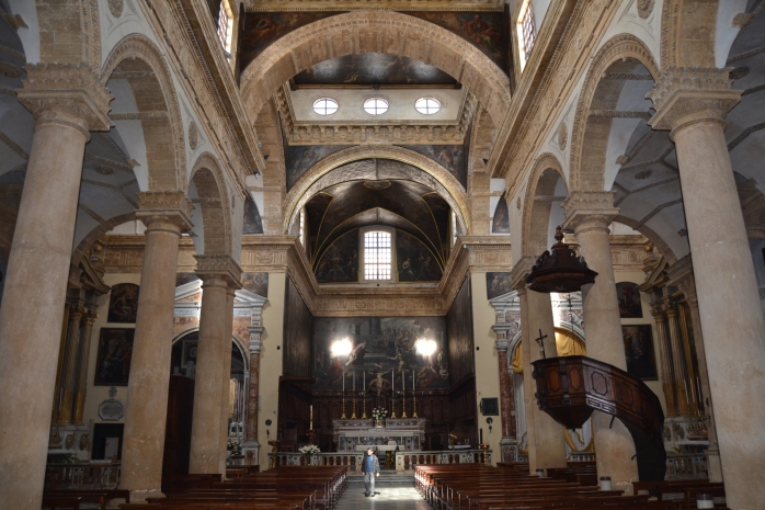 Sant'Agatha Cathedral inside