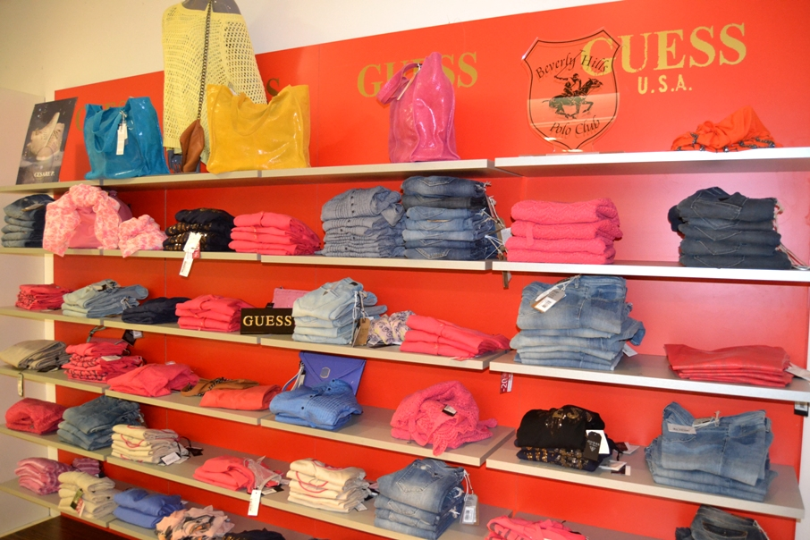 guess watches outlet 8o60  Europe You will recieve your order within 3-5 work days after we have  shipped your order guess watches for men gold Guaranteed to Fit!