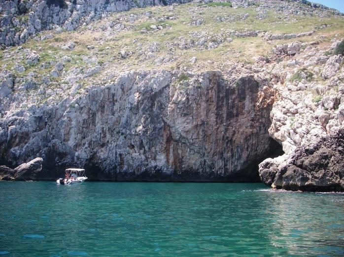 sea caves castro