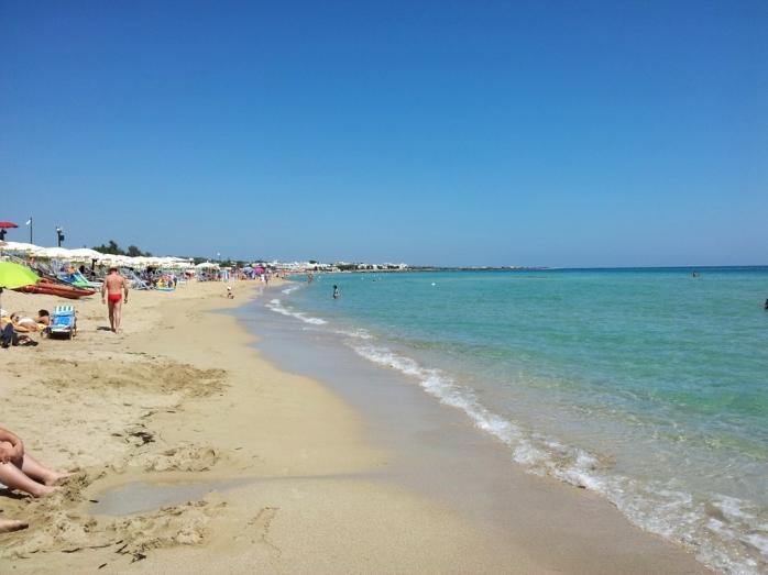 lido marini sandy beach