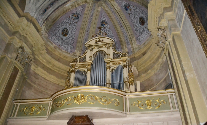 Saints Peter and Paul Church inside